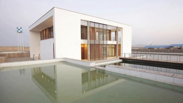 دانلود پاورپوینت بررسی ویلای شمس اثر گروه معماری کارند در ساوه(نمونه مشابه مسکونی)